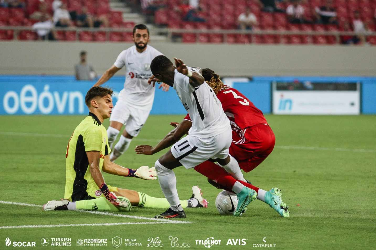 Olympiacos 1:0 Neftçi